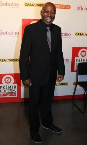 12.nov.2013 - O ator Nando Cunha prestigiou a 15ª edição do Prêmio Extra de Televisão. O evento aconteceu em uma casa de shows do Rio