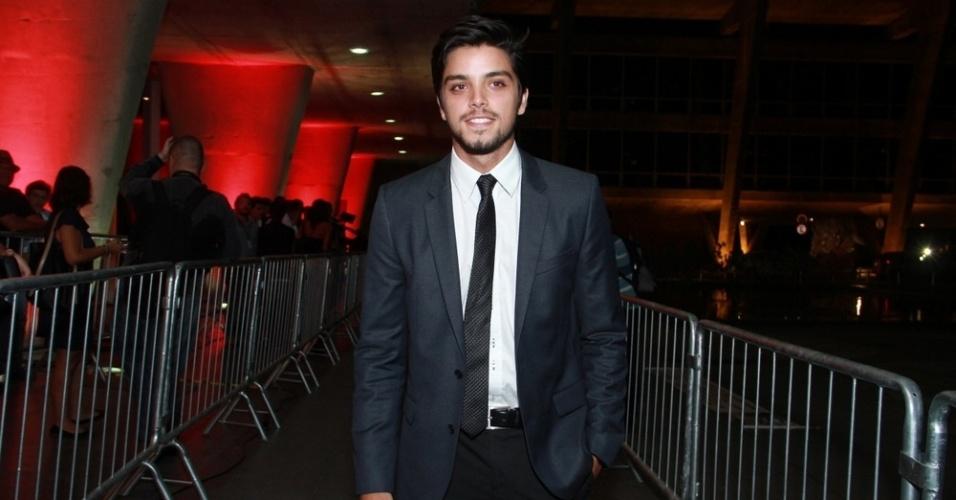 12.nov.2013 - Rodrigo Simas prestigiou a 15ª edição do Prêmio Extra de Televisão. O evento aconteceu em uma casa de shows do Rio