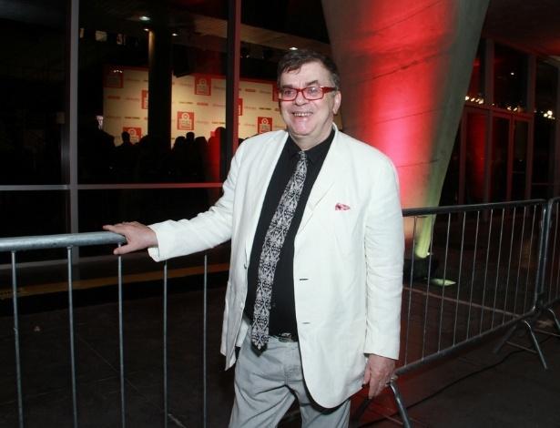 12.nov.2013 - Walcyr Carrasco prestigiou a 15ª edição do Prêmio Extra de Televisão. O evento aconteceu em uma casa de shows do Rio