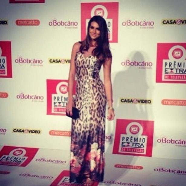 12.nov.2013 - A panicat Renata Molinaro comparece ao Prêmio Extra de Televisão, no Rio de Janeiro