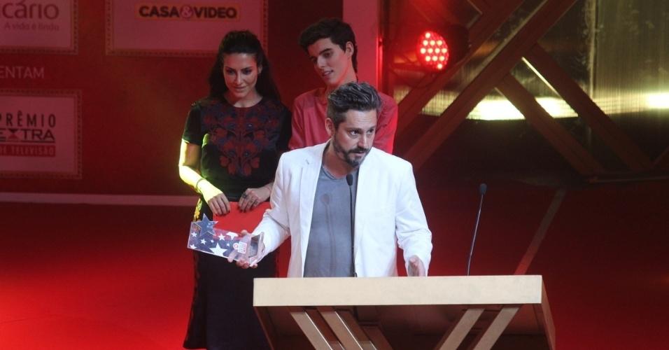 """12.nov.2013 - Alexandre Nero  vence na categoria melhor ator coadjuvante por """"Salve Jorge"""""""