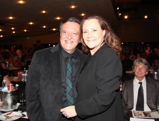 12.nov.2013 - Luís Melo e Elizabeth Savalla na 15ª edição do Prêmio Extra de Televisão, no Rio de Janeiro
