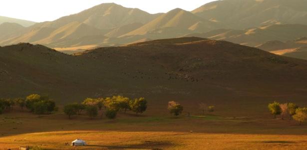 Loba Das Estepes: Na Ásia Central, Mongólia Oferece Capital Frenética E
