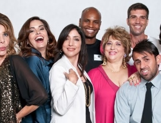 """Antônio Firmino com o elenco de """"Morde e Assopra"""""""