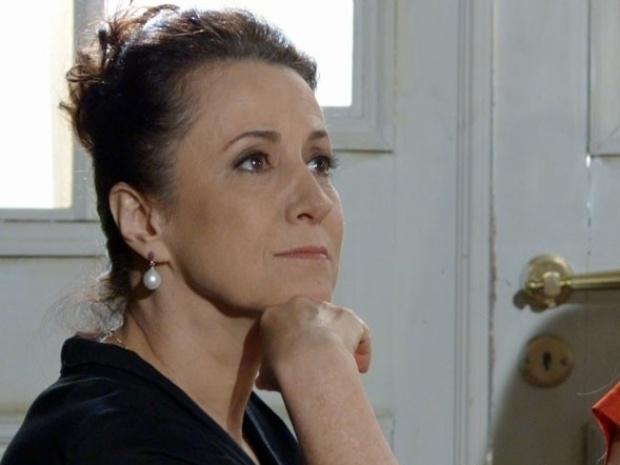 """Em """"Amor à Vida"""", Leila se revolta ao saber que terá de fazer tarefas domésticas"""
