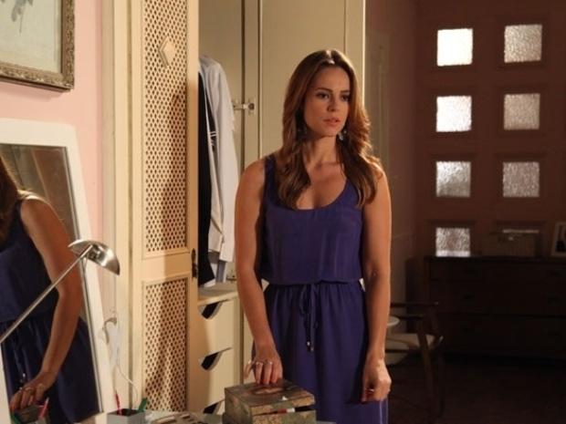 """Em """"Amor à Vida"""", Paloma descobre sumiço de echarpe e pressiona Bruno"""