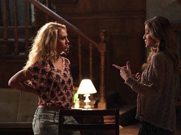 """Em """"Malhação"""", Sofia diz que quer ver Meg perdendo o bebê"""