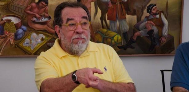 O escritor Fernando Morais participa de entrevista coletiva durante o Festival Internacional de Biografias, em Fortaleza - Laurence Bergreen/Divulgação
