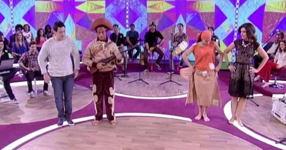 """O """"Encontro"""" do dia 25 de outubro de 2012 foi sobre música, dança e ritmos nordestinos. Fátima Bernardes entrou no clima e aprendeu passos do xaxado com Jaime Arôxa"""
