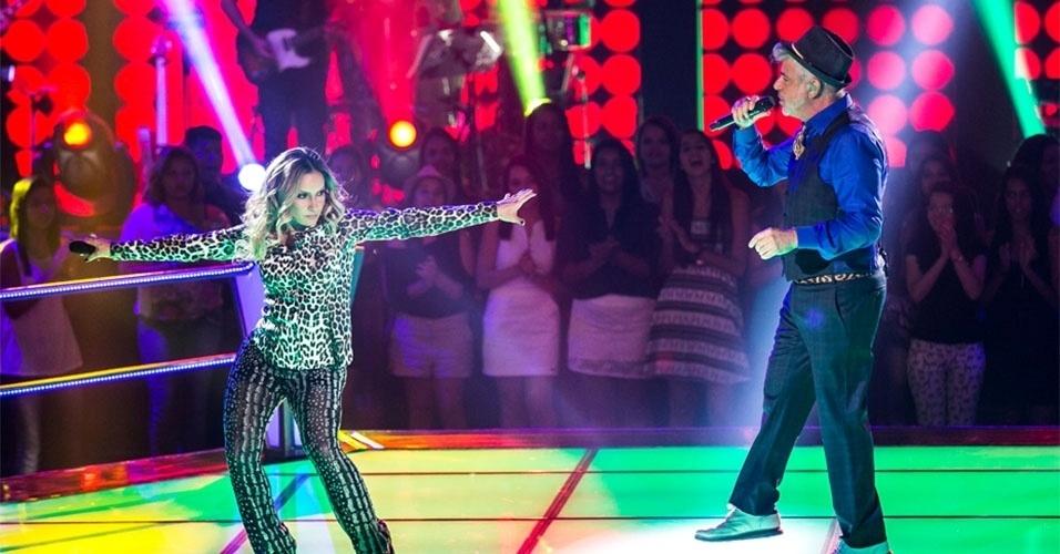 14.nov.2013 - Claudia Leitte e Lulu Santos cantam Dancin' Days