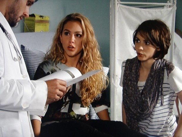 """Em """"Malhação"""", médico revela que Meg nunca esteve grávida"""