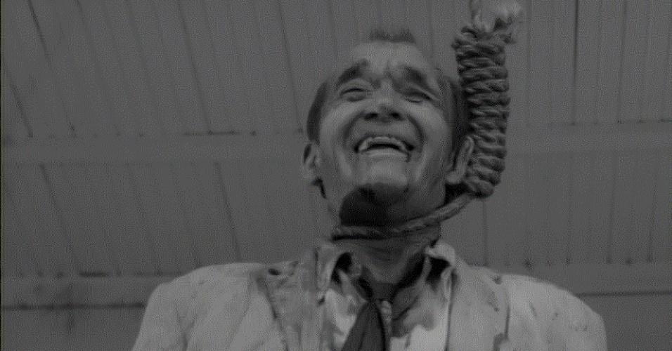 """?Mudhoney? (1965) ? O polêmico filme de Russ Meyer (de """"Faster, Pussycat! Kill! Kill!"""") retrata um triângulo amoroso em 1933, época da grande depressão americana. Envolve traição, cobiça, fanatismo religioso e cenas de nu. O ?mundo cão? retratado foi homenageado pela banda homônima de Seattle, uma das mais importantes do movimento grunge"""