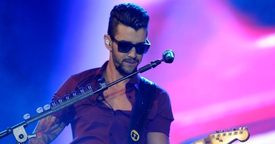 15.nov.2013 - Gusttavo Lima se apresenta na primeira noite da 8ª edição do festival sertanejo