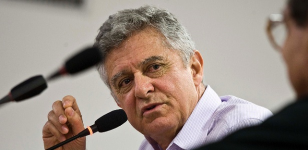 O jornalista e escritor Humberto Werneck durante debate do Festival de Biografias, em Fortaleza - Marlene Bergamo/Folhapress/7.jul.2011