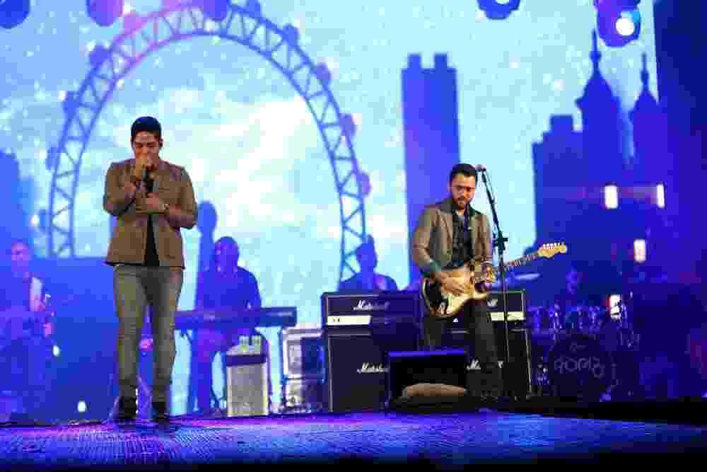 16.nov.2013 - A dupla Jorge e Mateus se apresentam no festival em Goiás - FotoRioNews