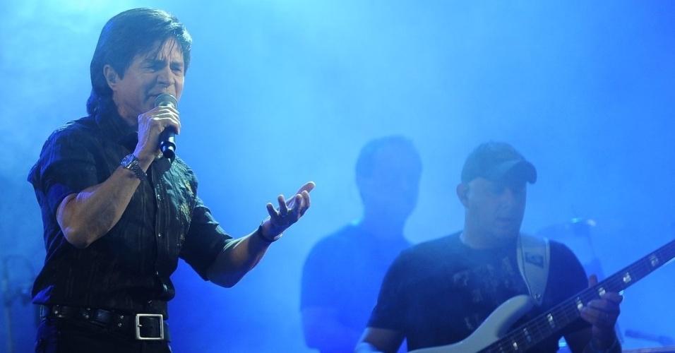 16.nov.2013 - Show do Chitãozinho e Xororó no festival sertanejo de Caldas Novas (GO)