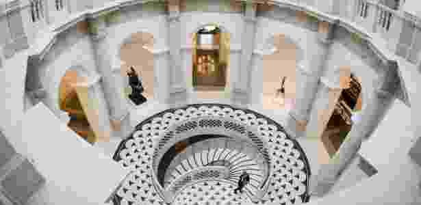 18.nov.2013 - Após dois anos de reforma que custou 45 milhões de libras (R$ 165 milhões), Tate Britain abre as portas - Olivia Harris/Reuters