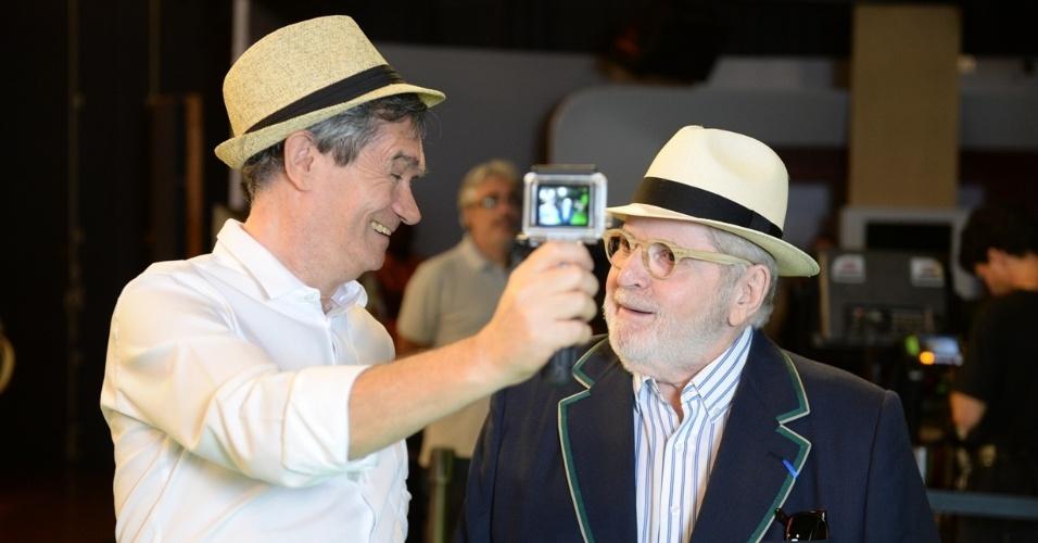 2013 - Serginho Groisman gravou os bastidores da mensagem de fim de ano da Globo