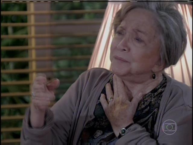 Bernarda diz a Bruno que entende ele ter ficado com Paulinha