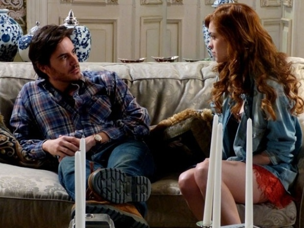 """Em """"Amor à Vida"""", Natasha provoca Thales falando de Nicole"""