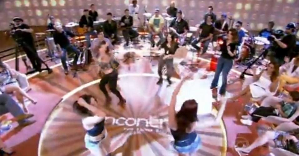 """Fátima Bernardes dançou """"Dança Sensual"""", de MC Koringa, no """"Encontro"""" de 17 de maio de 2013, em que recebeu o elenco de """"Salve Jorge"""""""