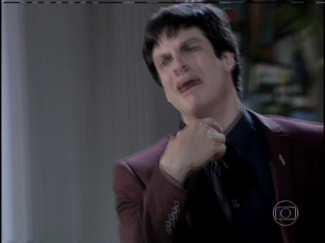 """Félix chora, diz que sempre odiou Paloma e chama Paulinha de """"ratinha"""""""