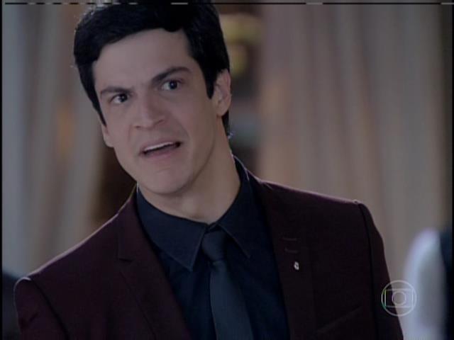 Félix diz que César está mentindo e que quer destruí-lo