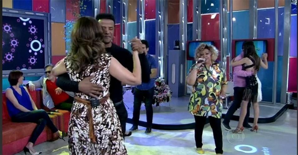 """No """"Encontro"""" exibido no dia 14 de novembro de 2013, Fátima dançou com coreógrafo Marcelo Chocolate ao som de Alcione"""