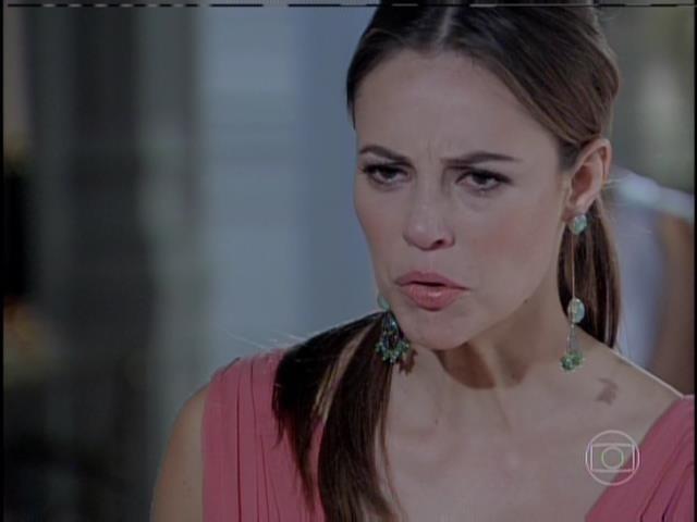 Paloma pressiona Félix a falar a verdade
