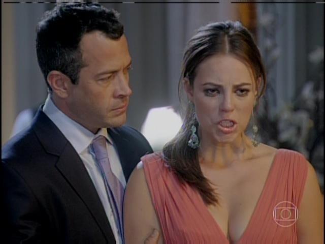 Paloma relembra a echarpe usada no dia em que deu à luz