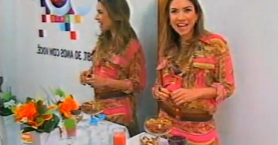 Patrícia Abravanel come frutas, nozes e passas em seu camarim no SBT