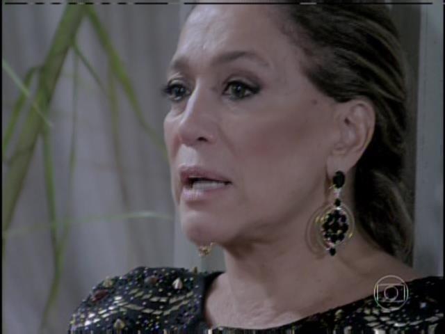 Pilar diz a Félix para que ele não fale com ela