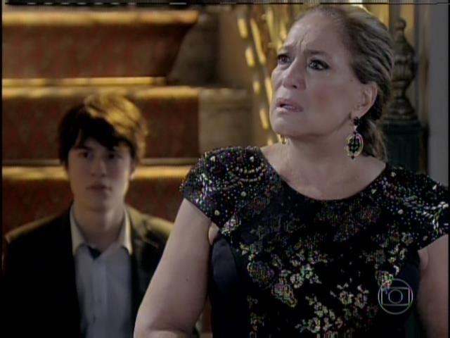 Pilar indaga Félix sobre as acusações feitas por César