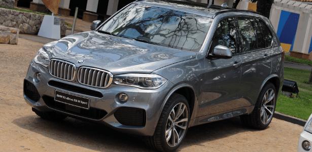 Suvão de luxo, X5 xDrive50i pode ter problema na trava de segurança das portas traseiras - Murilo Góes/UOL