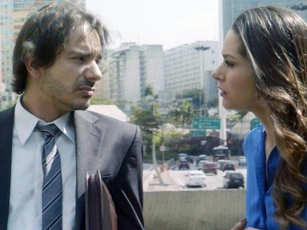"""Em """"Amor à Vida"""", Leila pergunta o que aconteceria com testamento se Natasha morresse"""