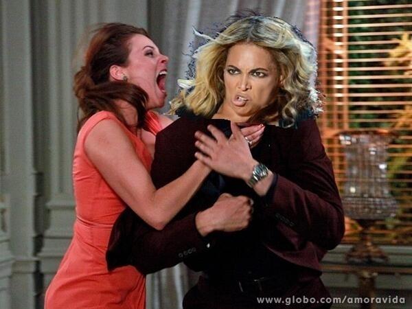 """Em outra montagem, Paloma enforca até a cantora Beyoncé: """"Depois disso Beyoncé não vai mais permitir noveleiros nos seus shows"""