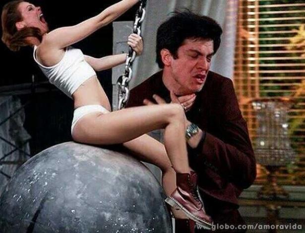 """Um internauta colocou Paloma em cima de uma bola, com a seguinte legenda: """"Paloma came like Wrecking Ball versão 1"""""""