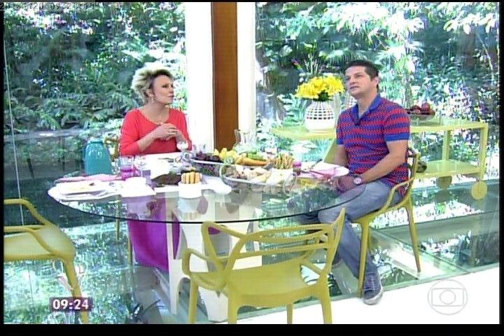 20.nov.2013 - Ana Maria Braga e Marcelo Serrado tomam o café da manhã juntos