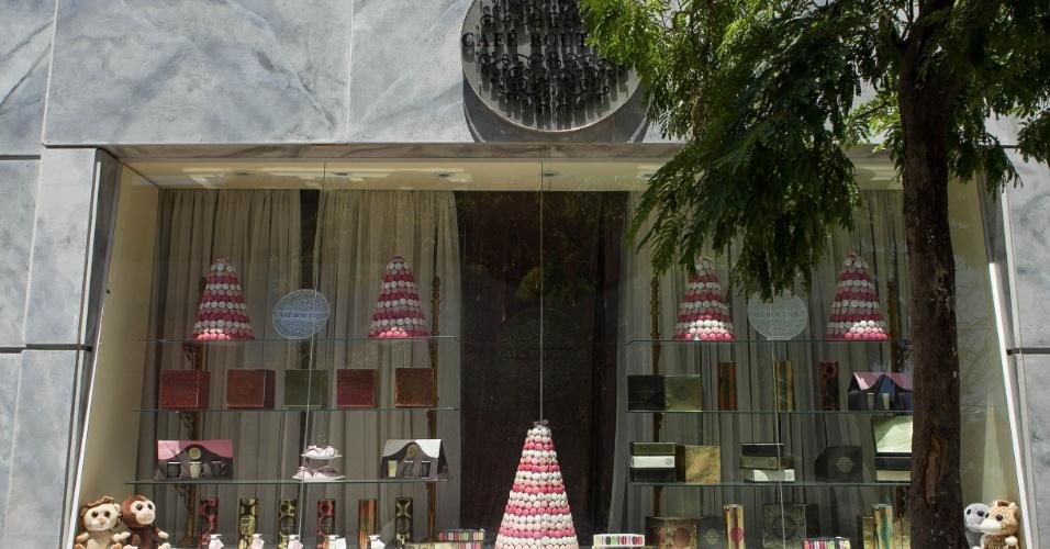 """14.nov.2013 - Detalhe para o Café Boutique na cidade cenográfica de """"Chiquititas"""", em Osasco, na Grande São Paulo"""