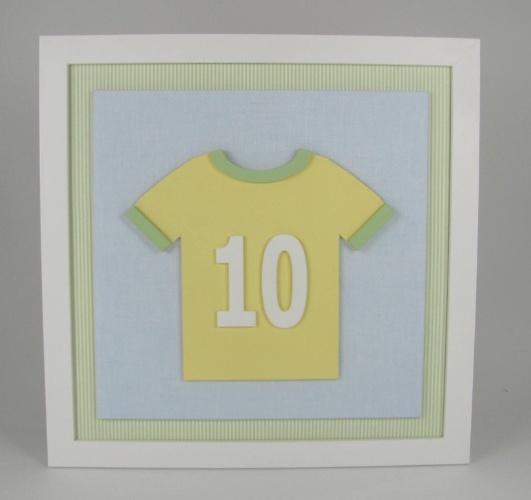 7f5428396 Fotos  Artigos para bebê feitos de prata e com cristais são destaque ...