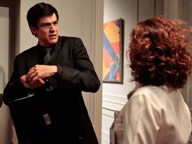 """Em """"Amor à Vida"""", Félix leva tapa de Ordália e é desprezado por Herbert"""