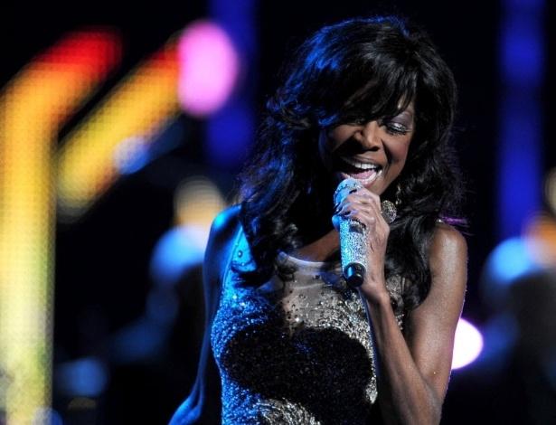 21.nov.2013 - Natalie Cole se apresenta na 14ª edição dos Latin Grammy Awards em Las Vegas