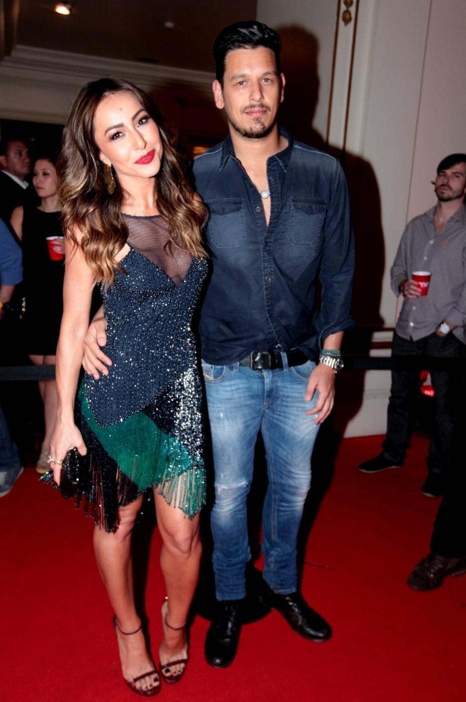 21.nov.2013 - Sabrina Sato e João Vicente de Castro em festa da Ferrari em casa noturna de São Paulo
