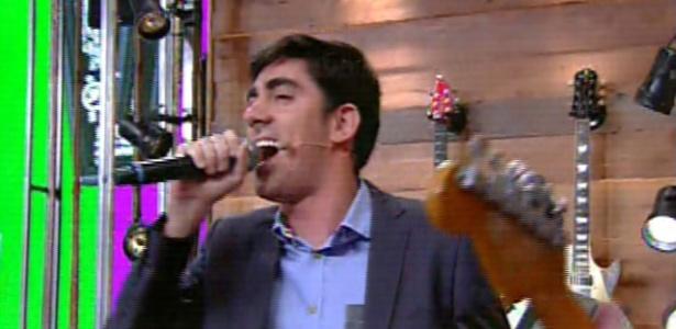 """Marcelo Adnet canta no """"Vídeo Show"""""""