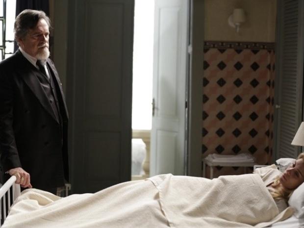 """Em """"Joia Rara"""", Ernest ameaça Iolanda por ter fugido do hospital"""