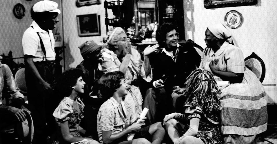 """Roberto Carlos aparece com o elenco do """"Sítio do Picapau Amarelo""""no especial de 1979"""