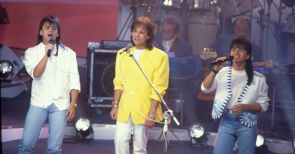 Roberto Carlos canta com Chitãozinho e Xororó no especial de 1992
