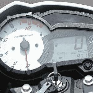 Yamaha YS150 Fazer - Doni Castilho/Infomoto