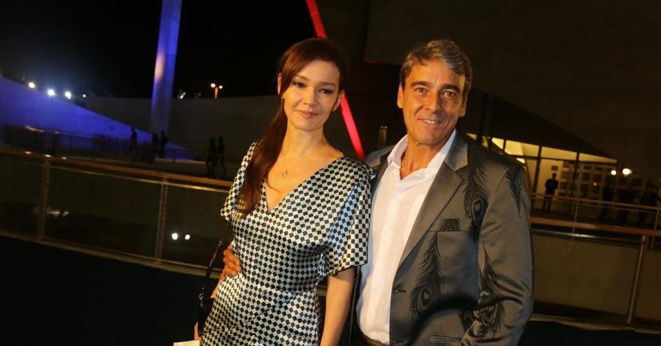 23.nov.2013 - Júlia Lemmertz e Alexandre Borges na gravação do especial de fim de ano de Roberto Carlos, no Rio de Janeiro