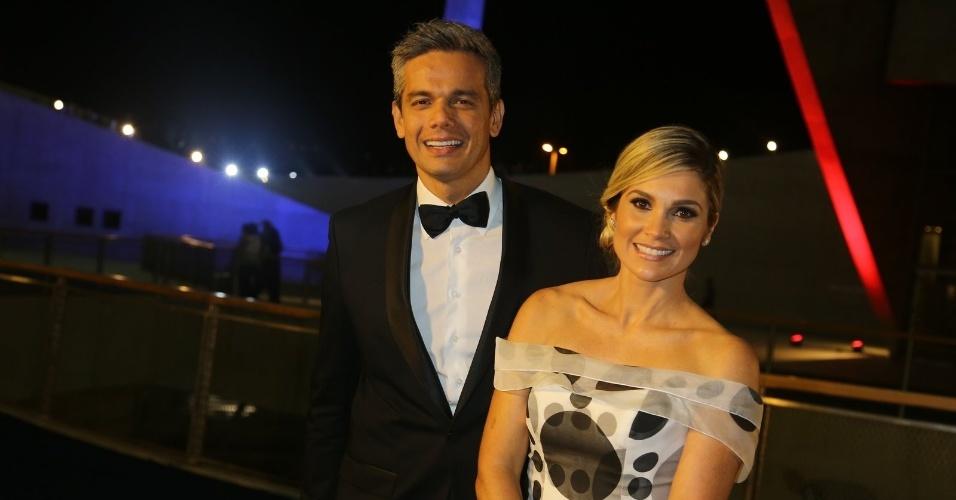 23.nov.2013 - Otaviano Costa e Flávia Alessandra na gravação do especial de fim de ano de Roberto Carlos, no Rio de Janeiro